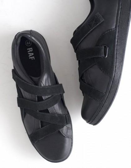raf-by-raf-low-top-sneakers-1-421x540